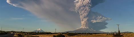 portada volcan en erupcion chile