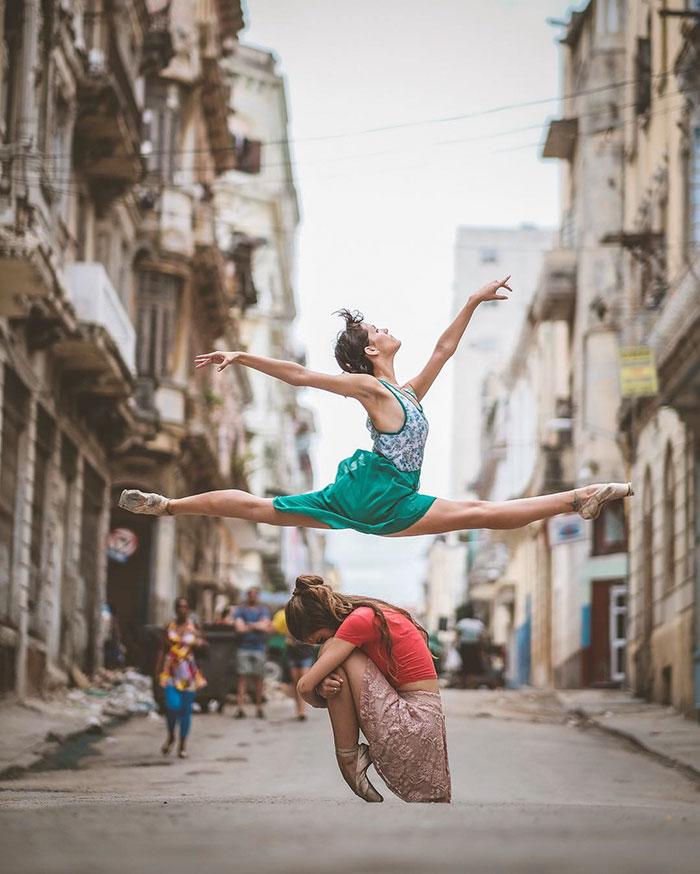 ballet-dancers-cuba-omar-robles-18-5714f5c941750__700