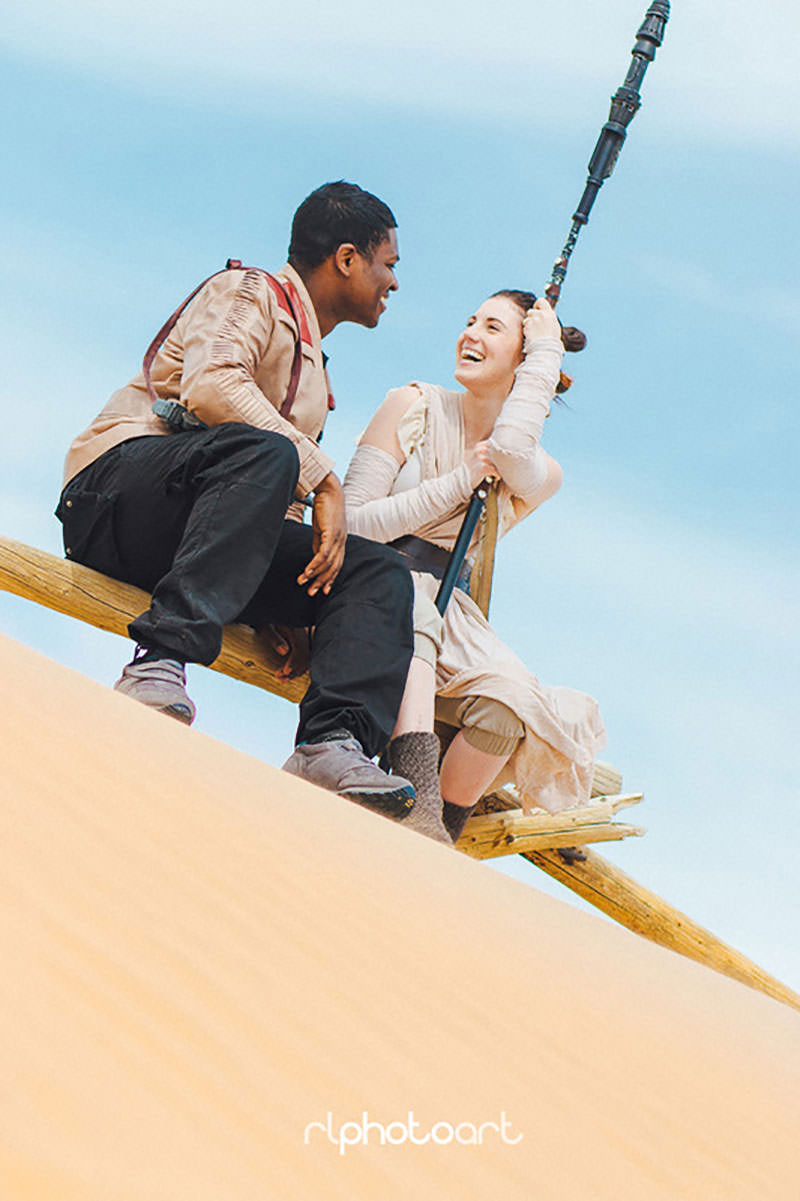 couples-star-wars-inspired-photoshoot-is-the-cutest-in-the-galaxy1