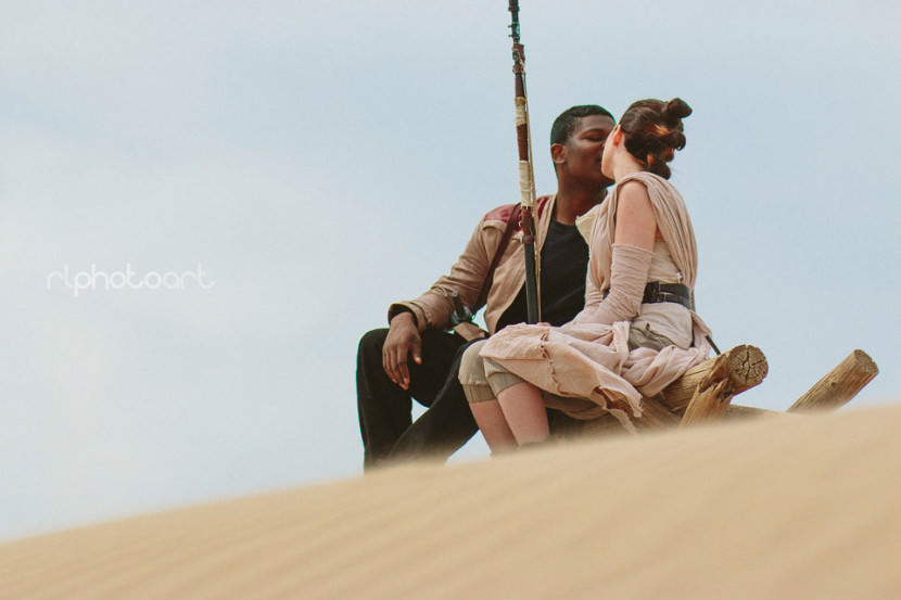 couples-star-wars-inspired-photoshoot-is-the-cutest-in-the-galaxy7-830x553