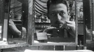 vintage-selfie-mirror-shot